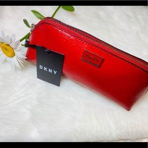 Brand new DKNY PENSIL CASE❤️ patent sutton- pencil